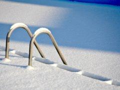 Waarom je een zwembad best in de winter kan plaatsen